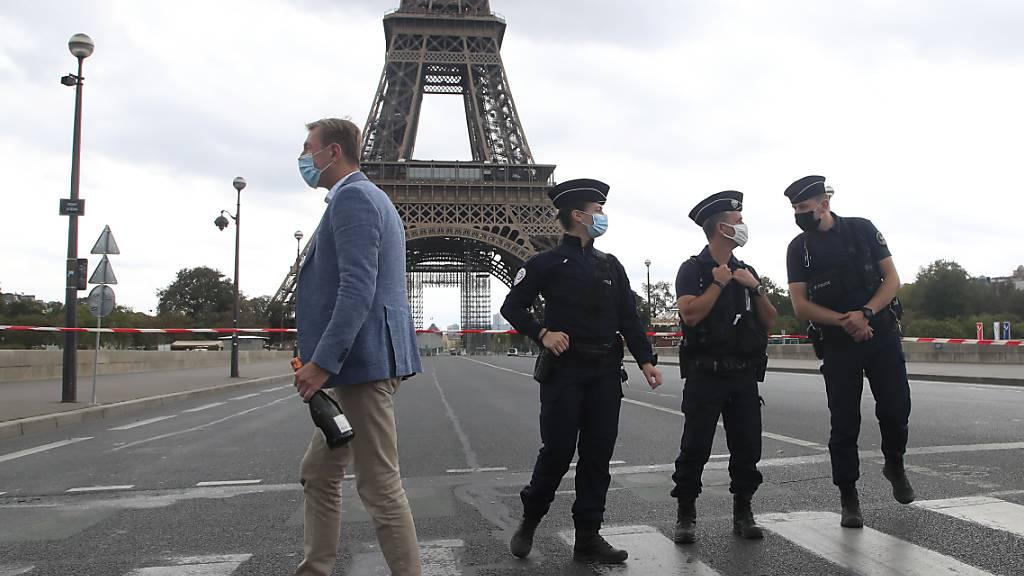 Pariser Eiffelturm wegen Bombendrohung evakuiert