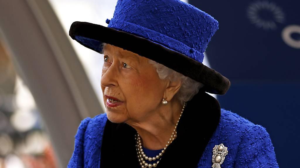 Queen sagt aus gesundheitlichen Gründen Reise ab