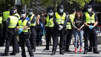 Bei der Wiedereinführung von Demos gibt es seitens der Polizei noch Unsicherheiten.
