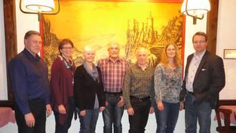 Geehrte und verabschiedet (v.l.): Rudolf Schnyder, Karin Büttler-Spielmann, Maria Kunzelmann-Schaad, Hugo Marti, Gerhard Ackermann, Corinne Rohde-Häfeli und Gemeindepräsident Edgar Kupper.