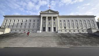 Das Bundesgericht in Lausanne muss den mutmasslichen Dschihadisten ein Urteil fällen.