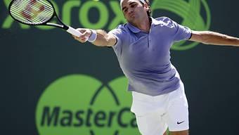 Roger Federer besiegte Ivo Karlovic in zwei Sätzen