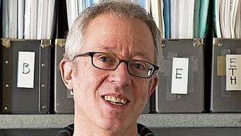 Beat Gloor im Jahr 2014 in den Zürcher Räumlichkeiten seiner Sprachagentur text control.