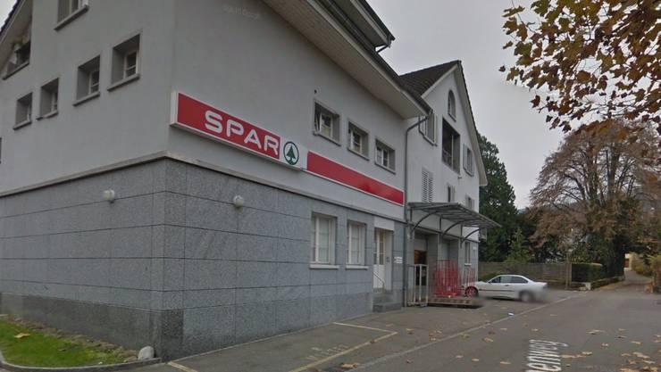 Der «Spar» an der Bahnhofstrasse in Turgi ist von einem Unbekannten überfallen worden. (Symbolbild)