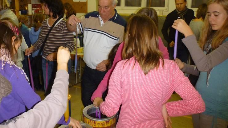 Das Entfelder Kerzenziehen findet im Kindergarten Brunnmatt statt