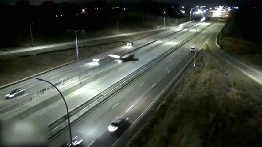 Minnesota (USA): Flugzeug macht Notlandung auf der Autobahn