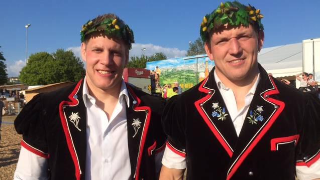 Christoph Bieri (links) und Bruno Gisler (rechts) erreichten am Zürcher Kantonalschwingfest den 3. Rang.