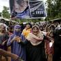 Rohingya-Flüchtlinge protestieren in Bangladesh gegen ihre Vertreibung. Sie berichten über Gewalt und Verfolgung in Myanmar. Menschenrechtsexperten bestätigen die schlimmsten Gräueltaten. (Archiv))