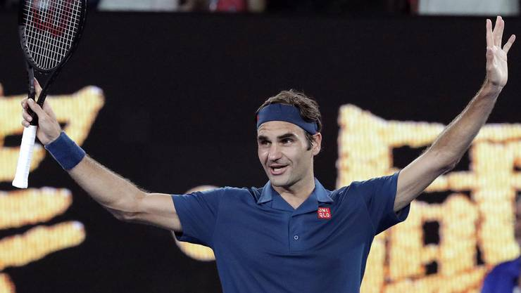 Roger Federer bejubelt seinen Auftaktsieg.