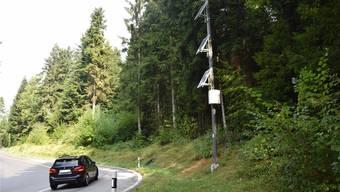 Überwachungskameras auf der Boowald-Strecke zwischen St. Urban und Vordemwald sollen Lärmemissionen messen. Die Polizei führt auch regelmässige Kontrollen durch — das wurde einem Töfffahrer zum Verhängnis.