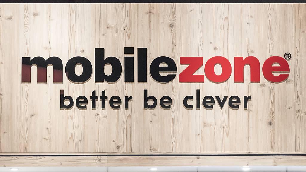 Mobilezone bietet in einigen Läden neu Auto-Abos von Carvolution an