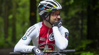 """""""Vielleicht ist er plötzlich weg, auf der Strasse"""": Nino Schurter traut seinem Herausforderer Mathieu van der Poel alles zu - auch eine grosse Karriere auf der Strasse"""