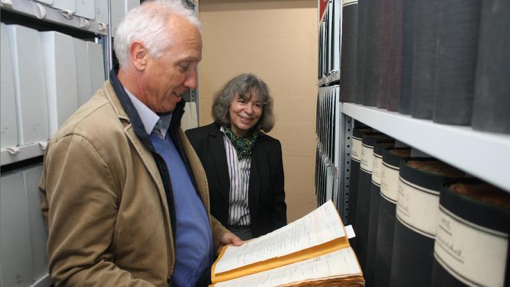 Einblick in den Raum, der die historischen Unterlagen der Stadtverwaltung beherbergt.