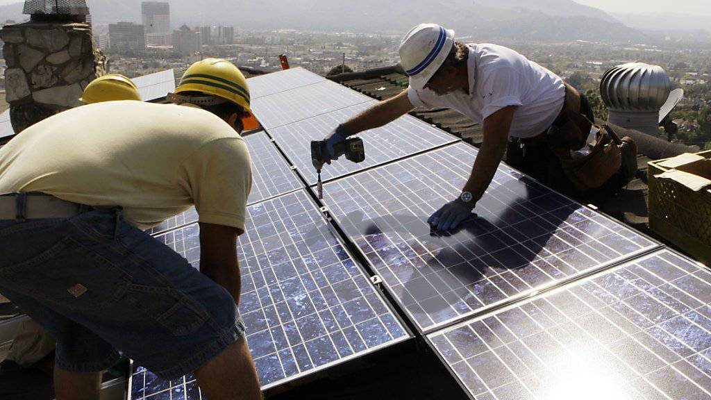 Solar statt Öl: Die steigenden Investitionskosten bei der Ölförderung könnten viele Investoren zum Umdenken bewegen.