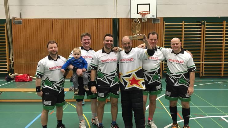 v.l.:  Röbi D., klein Mark mit Vater Lucky, Stefan S., Peter B., Sacha H. und Phil S.