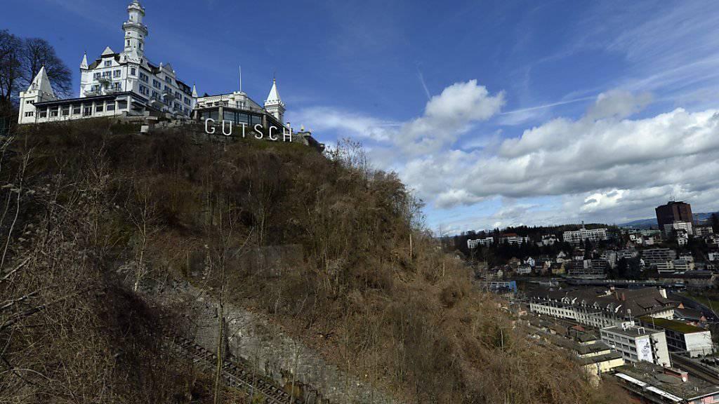Soll um sechs Zimmer erweitert werden: Schlosshotel Gütsch hoch über Luzern. (Archivbild)