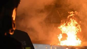 Das Feuer war sei innert fünf Minuten wieder gelöscht gewesen, berichtete der Beschuldigte. (Symbolbild)