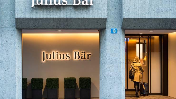 Julius Bär soll Gelder von korrupten Fifa-Funktionären angenommen haben.