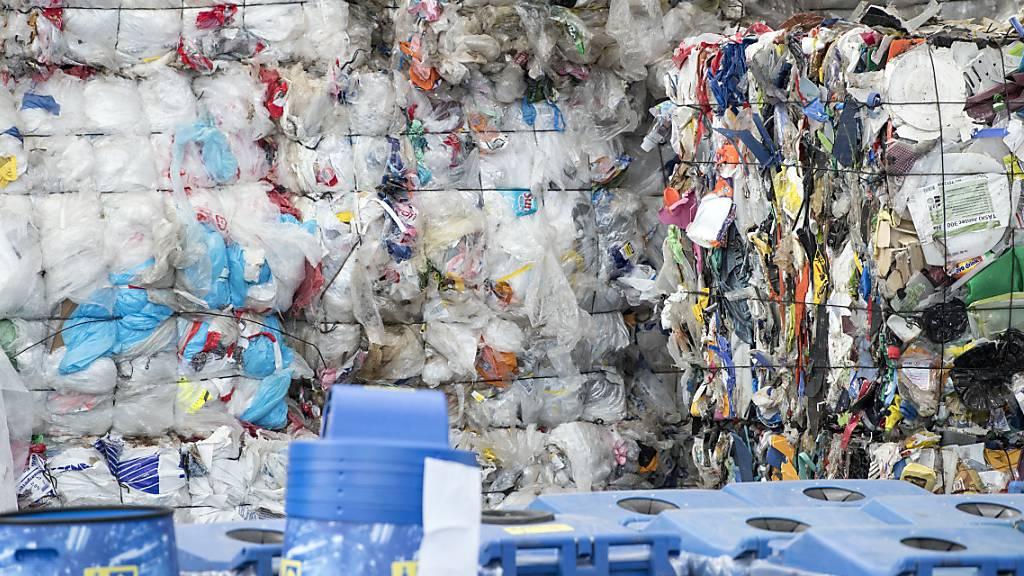 Paraffinöl aus Kunststoffabfall - Recycling-Idee aus Appenzell