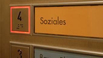 Im Kanton Schwyz gibt es Zukunft weniger Sozialhilfe. (Symbolbild)