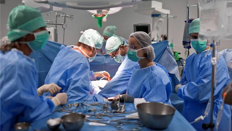 Extra-Zahlungen für Operationen sind ein Fehlanreiz des Gesundheitssystems. (Archiv)