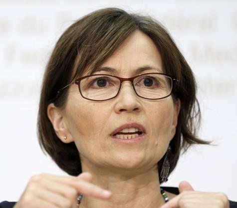 «Dies ist einer der grössten Stellenabbaupläne, die es in der Schweiz je gegeben hat. Dass sich Technologiesprünge auf die Arbeitsplätze auswirken, ist sicher richtig, auch, dass Effizienzsteigerungen gemacht werden. Aber einen solchen Kahlschlag halte ich für sehr bedenklich, da wird es zu Entlassungen kommen. Die Verkehrskommission des Nationalrats wird genau hinschauen müssen. Ich bin einverstanden mit dem Ziel, die Ticketpreise nicht zu erhöhen. Ob die SBB das Versprechen einhalten können, wenn gleichzeitig das Bahnangebot ausgebaut wird, ist aber noch gar nicht sicher.»