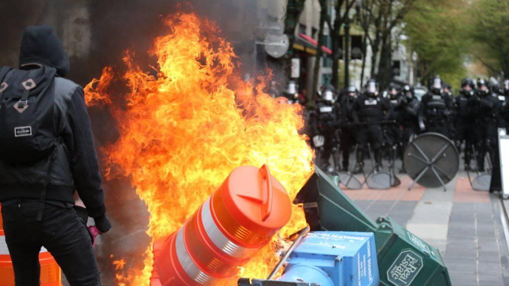 Ausschreitungen bei einer Mai-Kundgebung in Portland.