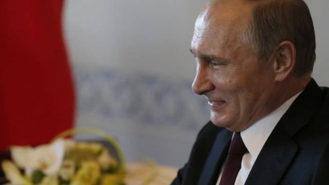 Russlands Präsident Putin beim Treffen mit Amtskollege Atambajew