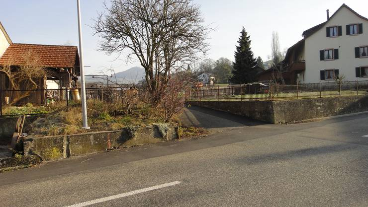 Beim Bünnwägli in Magden, vom Bachweg her über die Wintersingerstrasse K496, ist die Sicherheit für die Fussgänger mangelhaft. zvg