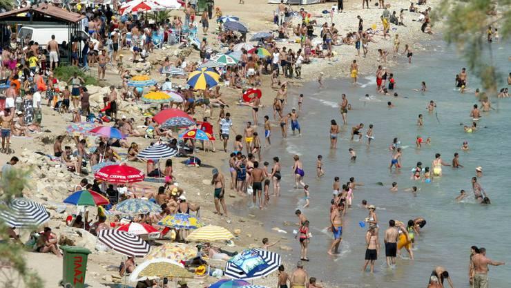 Viele wollen in den Herbstferien am Mittelmeer noch einmal ein bisschen Sonne tanken.