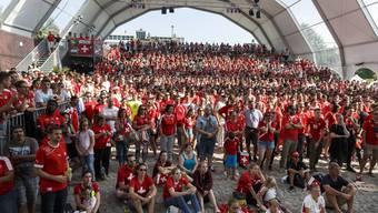 Die Spiele der Schweizer Nati waren und sind für die Veranstalter das Mass aller Dinge – jeweils gut 4000 Fans besuchten zusammen die Beach-style-Arena auf dem Dornacherplatz (Bild) und «So geht Fussball» in und hinter der Reithalle.