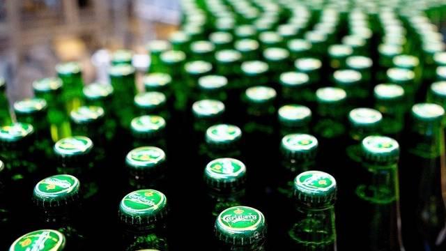 Der dänische Brauereikonzern Carlsberg macht weniger Umsatz (Archiv)