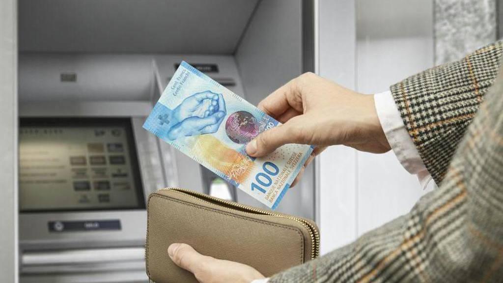 Neue 100er-Banknote mit Hauptelement Wasser