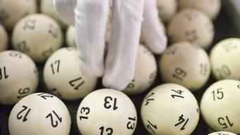6 Richtige und eine Zusatzzahl: Die Chancen, dass man korrekt tippt, liegen beim Lotto bei 1 zu 31474716.MARTIN RUETSCHI/Keystone