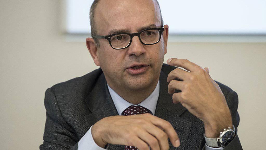 """""""Gegen die Euroschwäche kann weder die Schweizer Geldpolitik noch die Wirtschaftspolitik direkt etwas machen"""", sagt Eric Scheidegger, Leiter der Direktion für Wirtschaftspolitik im Seco. (Archiv)"""