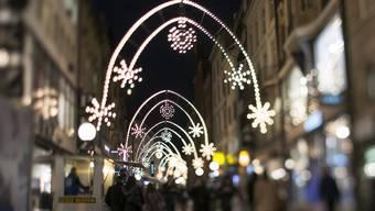 Weihnachtsbeleuchtungen Freie-Strasse