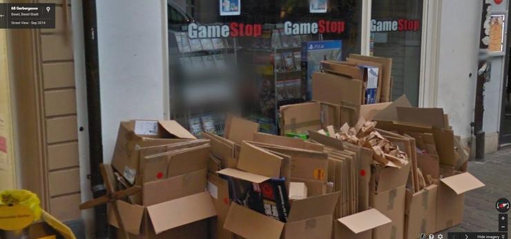 Hat der «GameStop» in der Gerbergasse die Papierabfuhr verpasst?