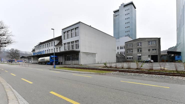 Die Patrouille stellte auf der Höhe des Lindt Verkaufsshops einen beschädigten Kandelaber fest. (Archivbild)