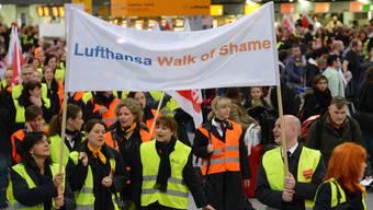 Lufthansa streicht am Montag wegen Streik fast alle Flüge