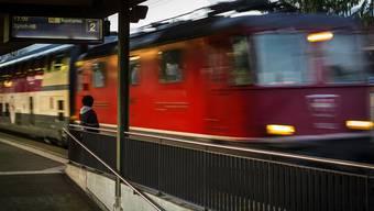 Die SBB melden am Donnerstagabend eine Störung zwischen Luzern und Lenzburg. (Symbolbild)