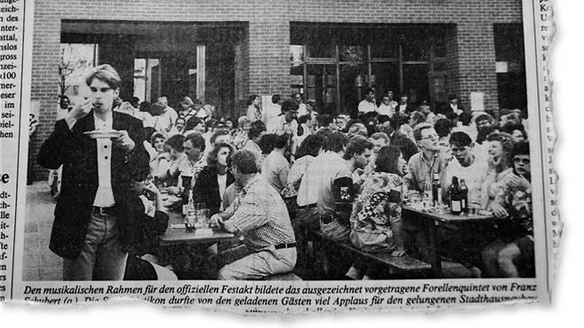 Eine Stadt feiert ihr Stadthaus: ein Ausschnitt aus dem «Limmattaler Tagblatt» vom 25. Mai 1992.az-Archiv