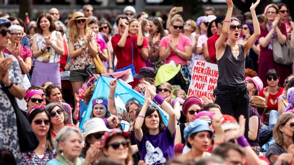 Vereine sehen Nachteile für Frauen in Medienbranche