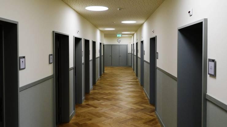 Ein Zimmertrakt in den neu gestalteten Massnahmestationen