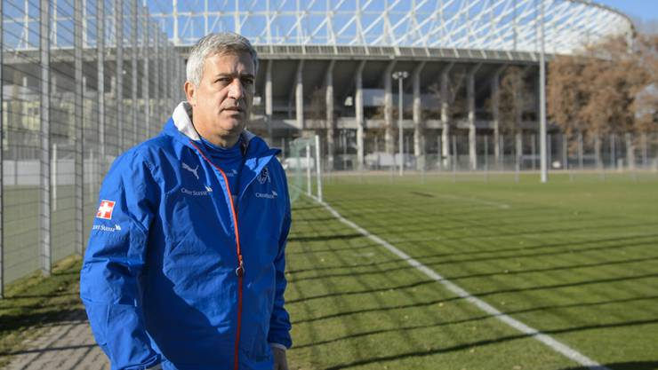 Vladimir Petkovic vor dem Ernst-Happel-Stadion, wo die Schweiz am Dienstag Österreich fordert