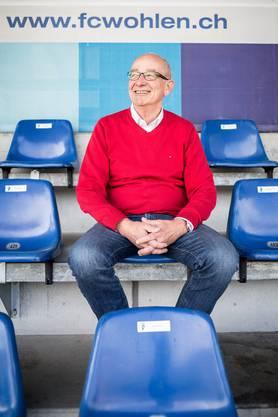 Der CEO des FC Wohlen, Lucien Tschachtli, im Stadion Niedermatten.