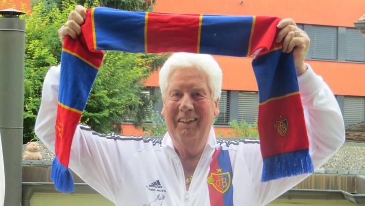 """Diego Persenico, einer der grössten FCB-Fan östlich der Birs und ehemaliger Hundehotel-Direktor: """"Jetzt könnte nur noch Frau Oeri helfen."""""""