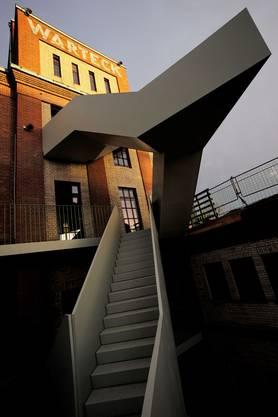 Die markante Aussentreppe im Werkraum Warteck pp. Für das Projekt zeichnet das Baubüro in situ aus Basel verantwortlich.