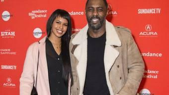 """Idris Elba und Sabrina Dhowre letzten Monat auf dem Sundance Film Festival. Nun macht der """"Luther""""-Darsteller Nägel mit Köpfen: Am Freitag hat er um die Hand von Dhowre angehalten. (Archivbild)"""