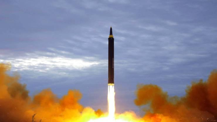 Die Regierung in Pjöngjang um Diktator Kim Jong Un hat am Dienstag südkoreanischen Angaben zufolge erneut Waffensysteme getestet. (Symbolbild)