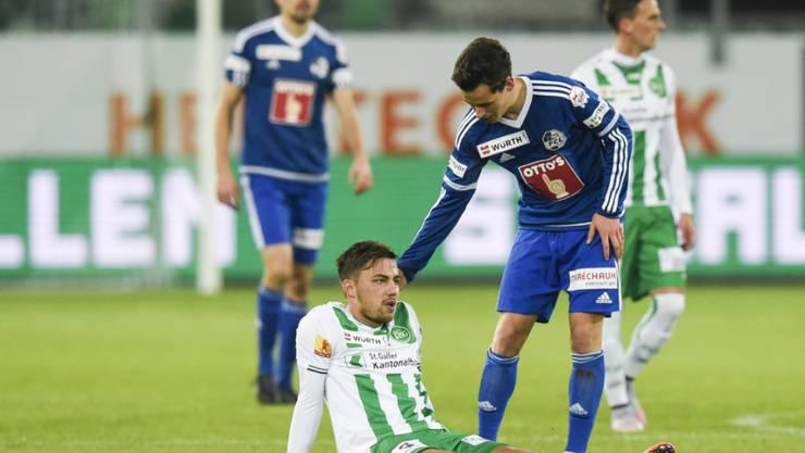 Alain Wiss (am Boden sitzend) fehlt dem FC St. Gallen rund vier Wochen